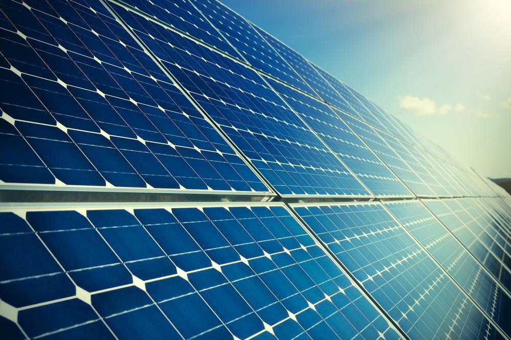 Aprovecha el clima canario instalando paneles solares