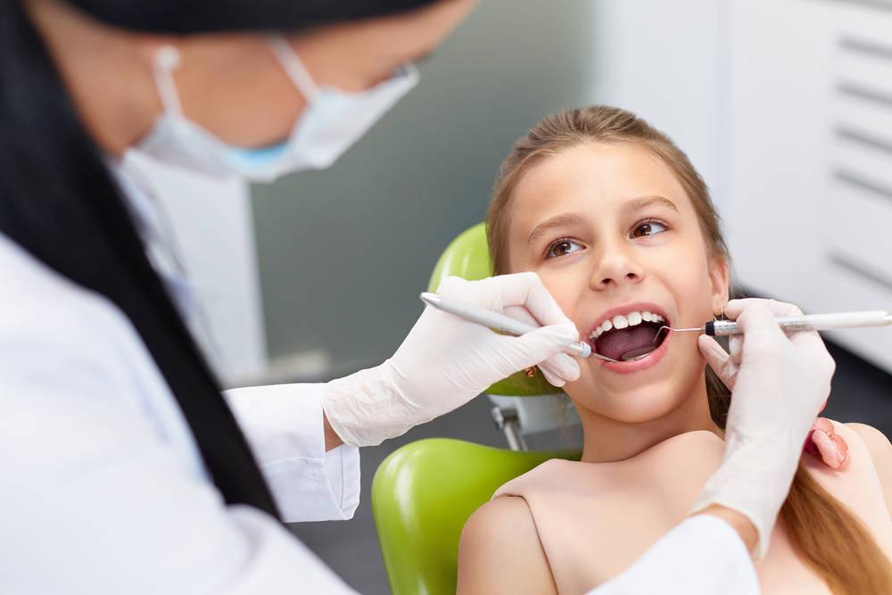 Canarias, la comunidad con menos clínicas dentales por cabeza
